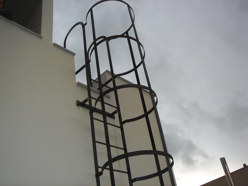 Las mejores escaleras de protecci n el portal de noticias for Escala o escalera