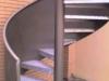 2000-054 Escalera con barandilla de chapa