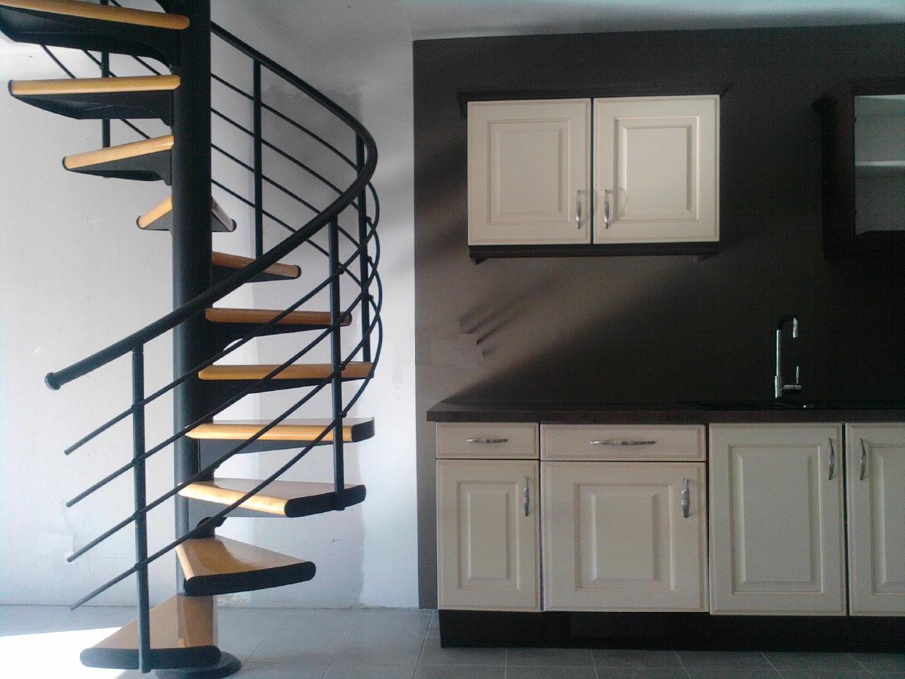 Espacio necesario para una escalera de caracol for Como trazar una escalera de caracol de concreto
