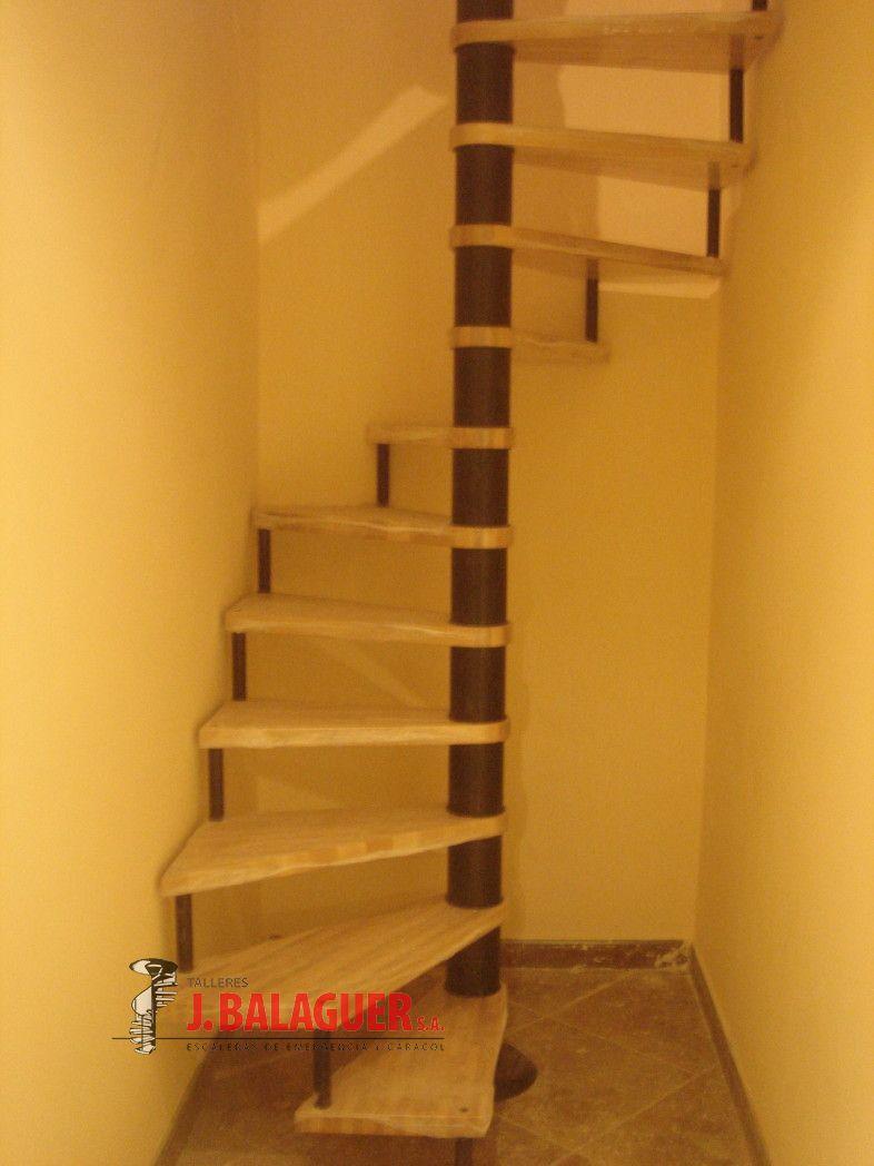 Escaleras de caracol de obra latest combinacin de - Escalera japonesa ...