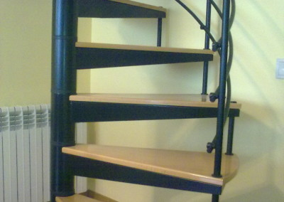 escaleras caracol con madera modelo m barandilla h