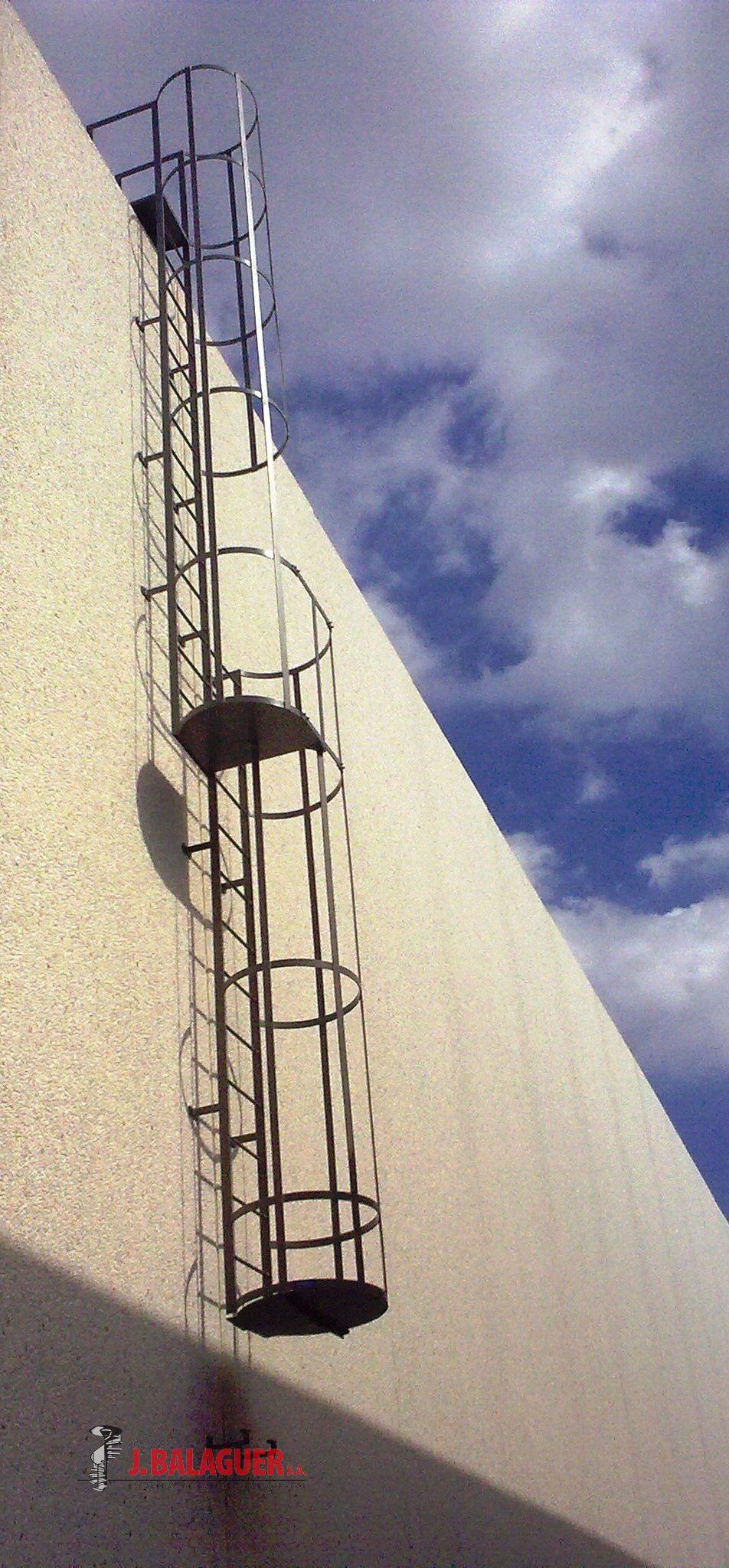Colecci n escaleras acceso vertical escaleras balaguer for Escaleras de emergencia