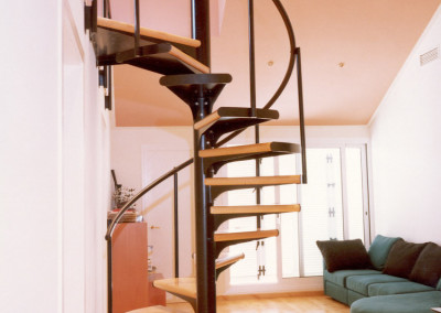 escaleras caracol con madera modelo m barandilla tc