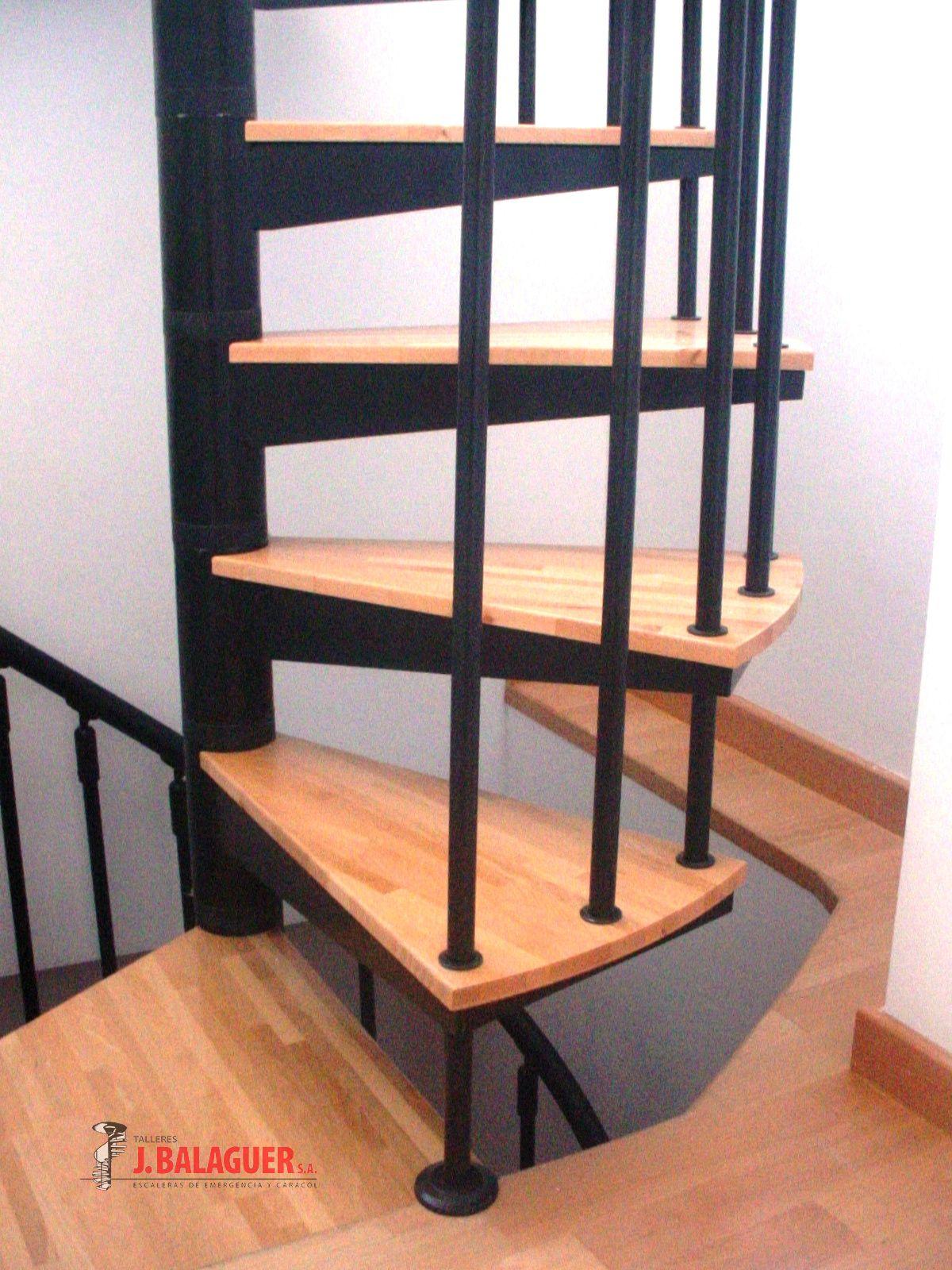 escaleras caracol con madera modelo m barandilla triple escaleras caracol con madera modelo m barandilla triple