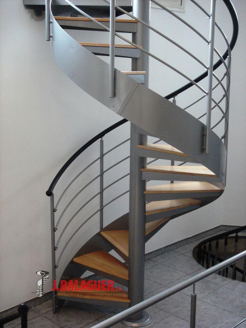 Escaleras caracol madera mod mgd madera escaleras balaguer - Escalera de caracol prefabricada ...