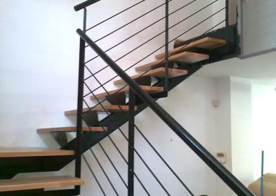 Escalera Zanca Central 8