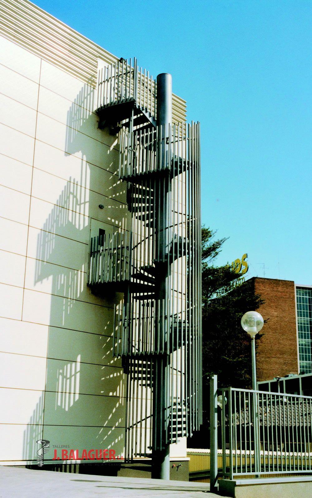Escaleras emergencia escaleras balaguer - Normativa barandillas exteriores ...