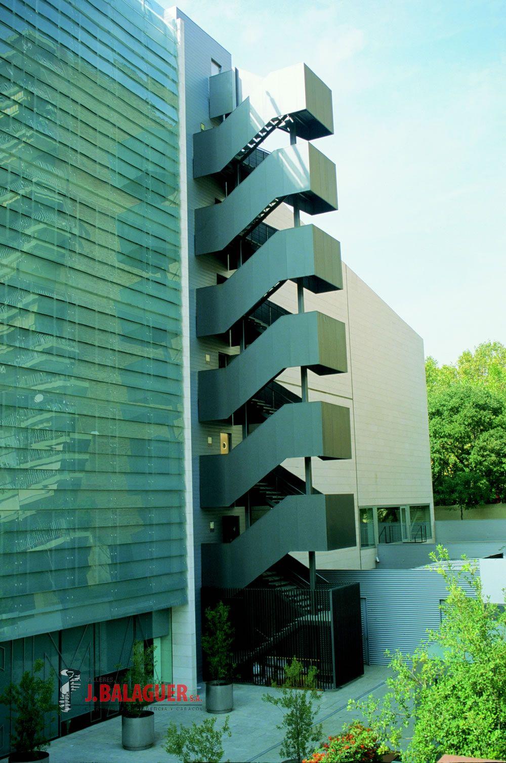 Galeria de escaleras de tramos rectos escaleras balaguer - Normativa barandillas exteriores ...