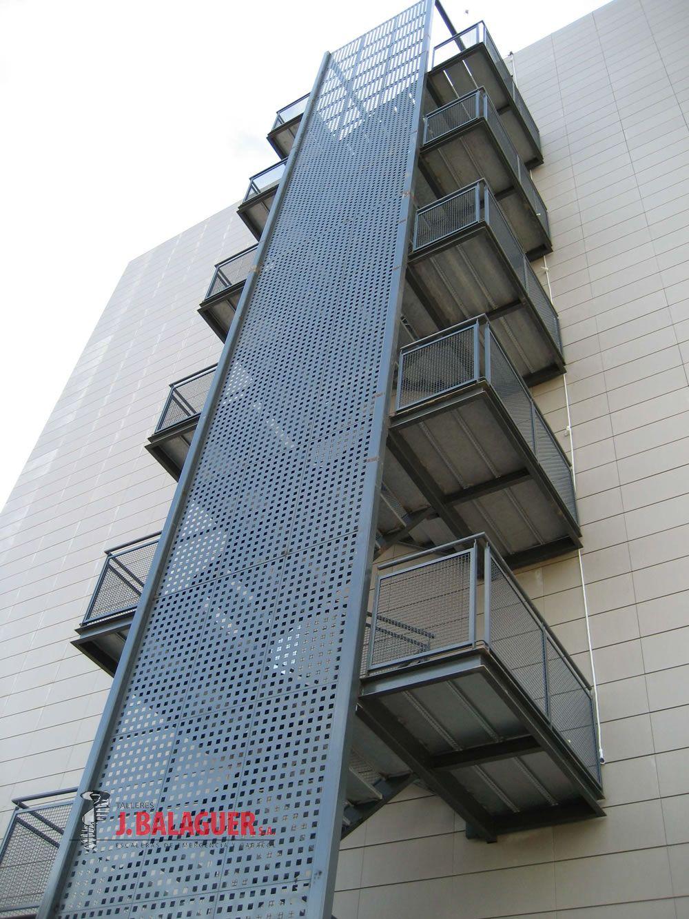Galeria de escaleras de tramos rectos escaleras balaguer for Dimensiones de escaleras