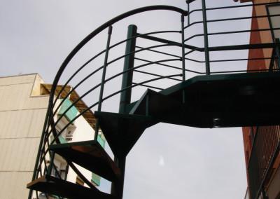Escaleras caracol metálica M7 barandilla H4.