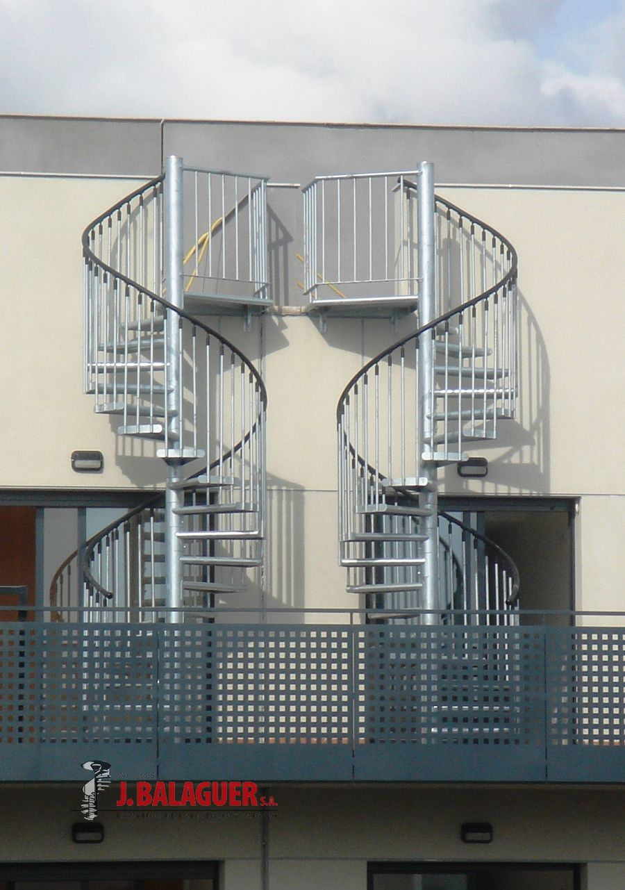 Modelo m4 escaleras balaguer for Escaleras metalicas