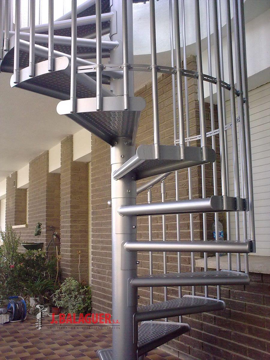 Modelo m47g escaleras balaguer for Como hacer una escalera caracol metalica