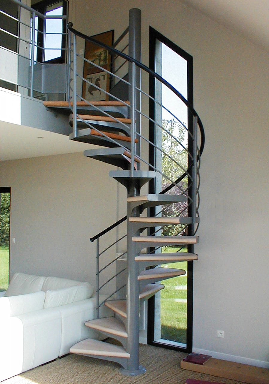 Nuestras escaleras de caracol escaleras balaguer - Normativa barandillas exteriores ...