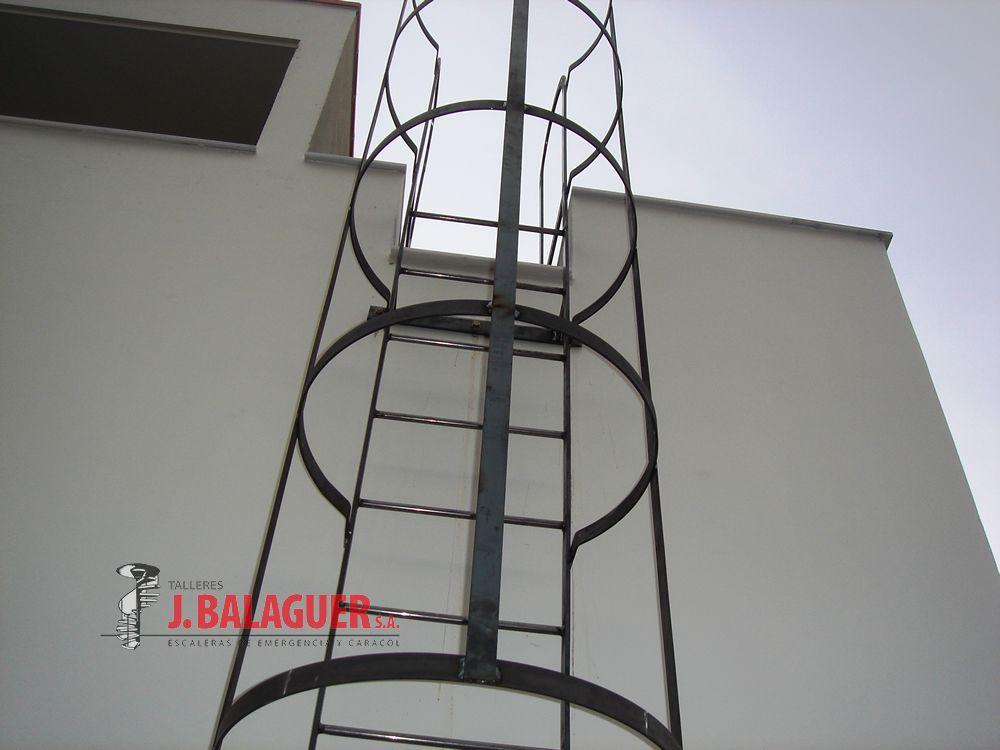 Collection verticale acc s escaliers escaleras balaguer - Escalera de gato con proteccion ...