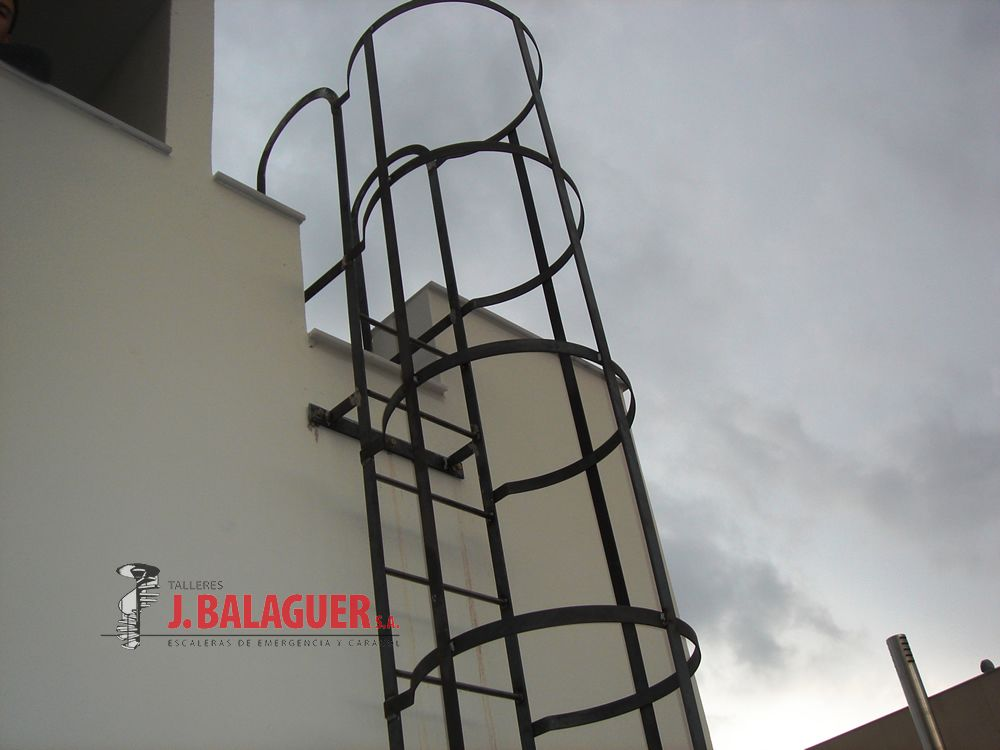 Collection verticale acc s escaliers escaleras balaguer for Acces vertical