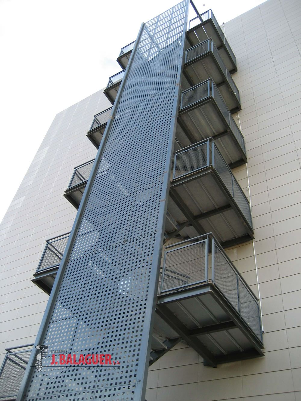 Gallery of stairs of straight sections escaleras balaguer for Escalas metalicas
